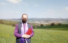 Prosby za déšť a žehnání polí ve Vidči